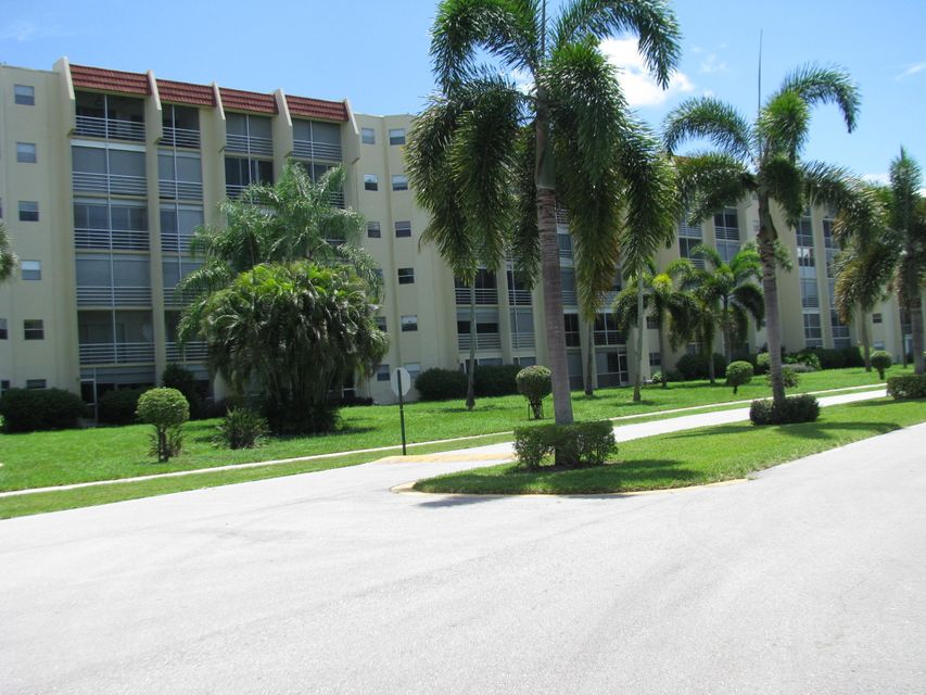 Additional photo for property listing at 3590 Via Poinciana 3590 Via Poinciana Lake Worth, Florida 33467 États-Unis