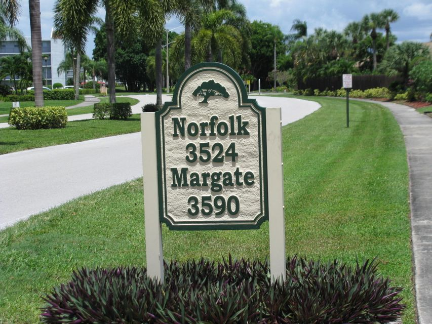 Additional photo for property listing at 3590 Via Poinciana 3590 Via Poinciana Lake Worth, Florida 33467 Estados Unidos