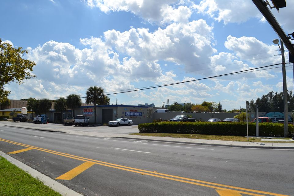 Commercial Land for Sale at 1621 S Dixie Hwy Highway 1621 S Dixie Hwy Highway Pompano Beach, Florida 33060 United States