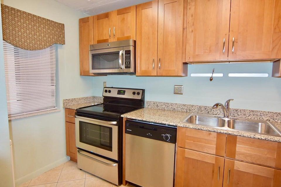 Konsum / Eigentumswohnung für Verkauf beim 2788 Tennis Club Drive 2788 Tennis Club Drive West Palm Beach, Florida 33417 Vereinigte Staaten