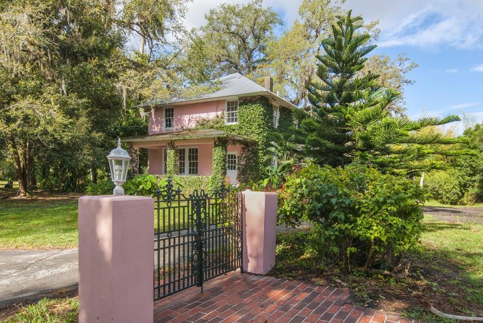 Casa para uma família para Venda às 1210 Country Gardens Lane 1210 Country Gardens Lane Fort Pierce, Florida 34982 Estados Unidos