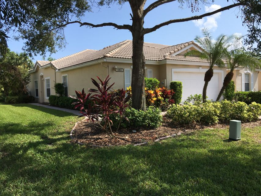 Vila para Locação às 4413 NW Oak Branch Court 4413 NW Oak Branch Court Jensen Beach, Florida 34957 Estados Unidos
