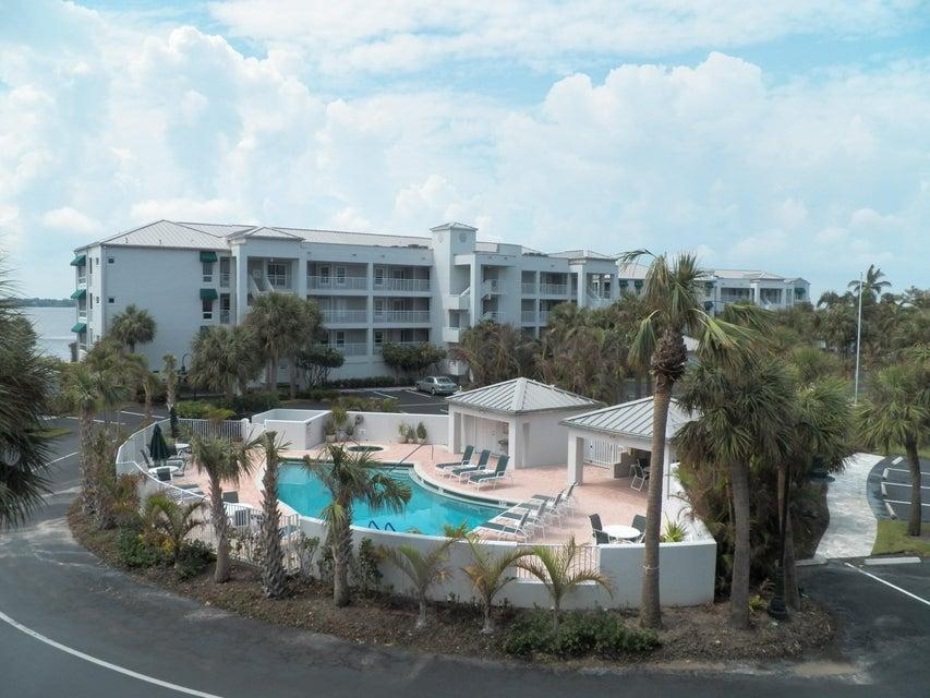 合作社 / 公寓 为 出租 在 145 NE Edgewater Drive 145 NE Edgewater Drive 斯图尔特, 佛罗里达州 34996 美国
