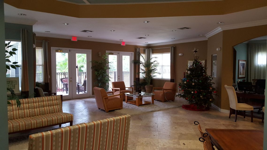 Additional photo for property listing at 10312 S Fox Trail Road S 10312 S Fox Trail Road S Royal Palm Beach, Florida 33411 United States