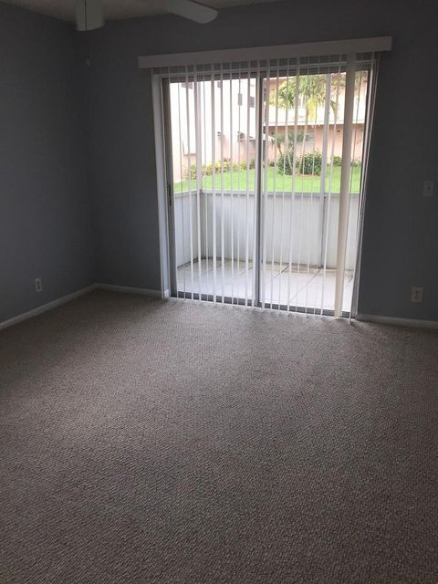 Additional photo for property listing at 393 Burgundy I 393 Burgundy I Delray Beach, Florida 33484 United States