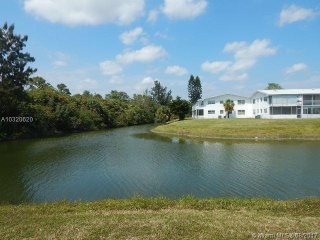 Konsum / Eigentumswohnung für Verkauf beim 87 Camden D 87 Camden D West Palm Beach, Florida 33417 Vereinigte Staaten