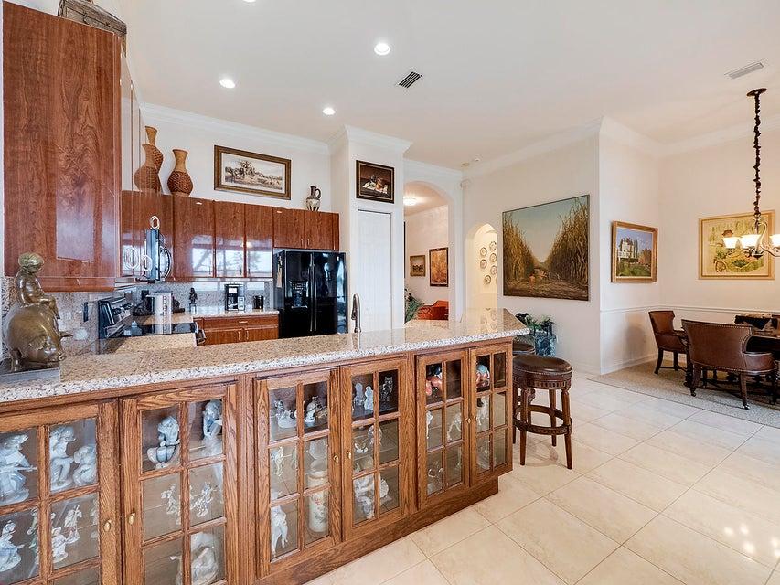 独户住宅 为 销售 在 9817 Isles Cay Drive 9817 Isles Cay Drive 德尔雷比奇海滩, 佛罗里达州 33446 美国