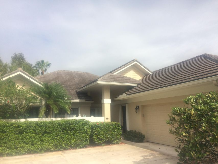 151 Coventry Place , Palm Beach Gardens FL 33418 is listed for sale as MLS Listing RX-10369904 15 photos