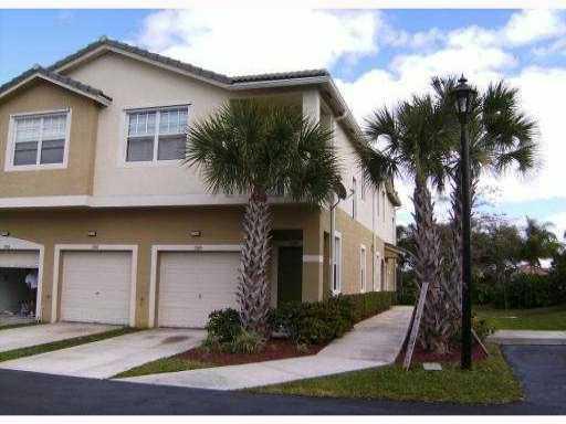 Stadthaus für Verkauf beim 3108 Grandiflora Drive 3108 Grandiflora Drive Lake Worth, Florida 33467 Vereinigte Staaten