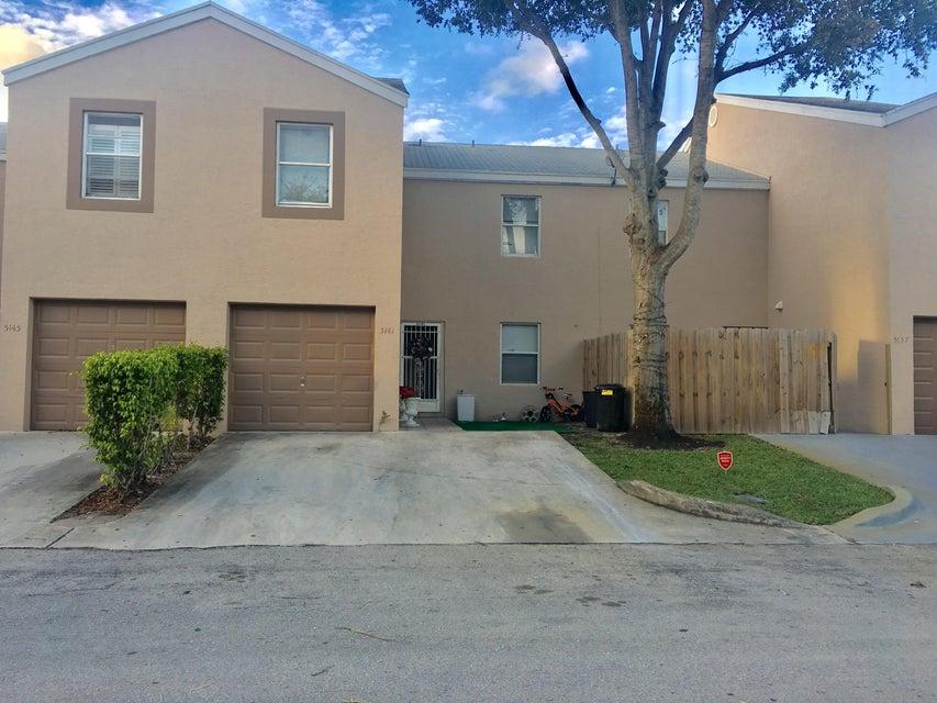 5141 Pine Abbey Drive West Palm Beach, FL 33415 photo 2