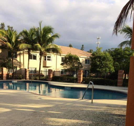Additional photo for property listing at 3760 N Jog Road 3760 N Jog Road West Palm Beach, Florida 33411 États-Unis