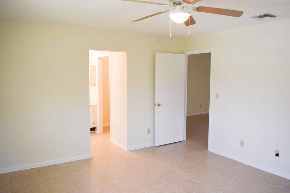 Additional photo for property listing at 533 S Lakes End Drive 533 S Lakes End Drive Fort Pierce, Florida 34982 Vereinigte Staaten