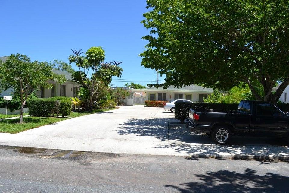 Quadraplex 为 销售 在 1210 M Street 1210 M Street Lake Worth, 佛罗里达州 33460 美国