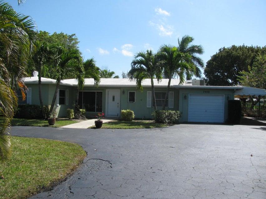 Casa para uma família para Venda às 7448 Venetian Way 7448 Venetian Way Lake Clarke Shores, Florida 33406 Estados Unidos
