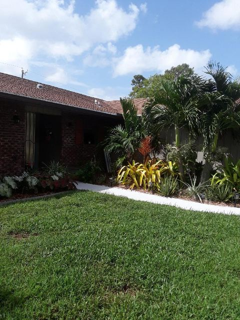 Rentals for Rent at 844 SE Evergreen Terrace 844 SE Evergreen Terrace Port St. Lucie, Florida 34983 United States