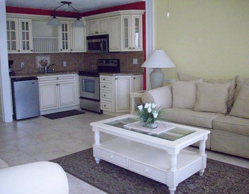 Konsum / Eigentumswohnung für Verkauf beim 302 Camden M 302 Camden M West Palm Beach, Florida 33417 Vereinigte Staaten