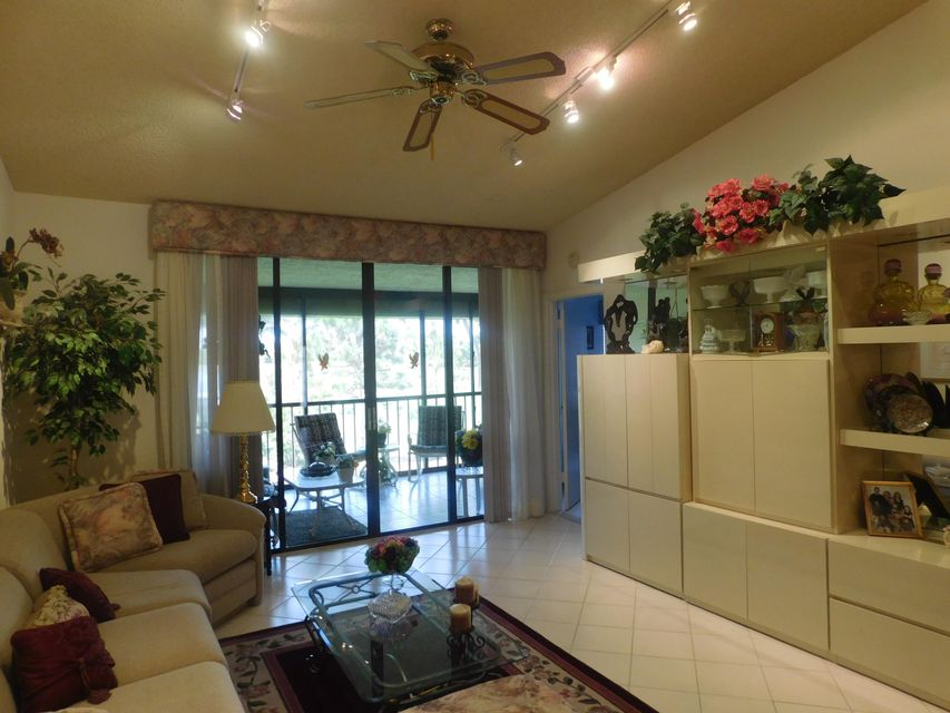 Condominium for Sale at 7515 Glendevon Lane # 607 Delray Beach, Florida 33446 United States