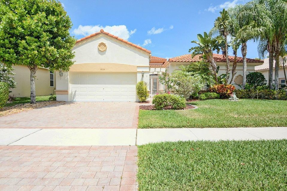 Bellaggio home 9519 Bergamo Street Lake Worth FL 33467