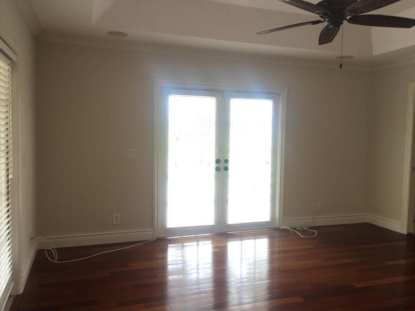 Additional photo for property listing at 937 SW 34th Court 937 SW 34th Court 博因顿海滩, 佛罗里达州 33435 美国
