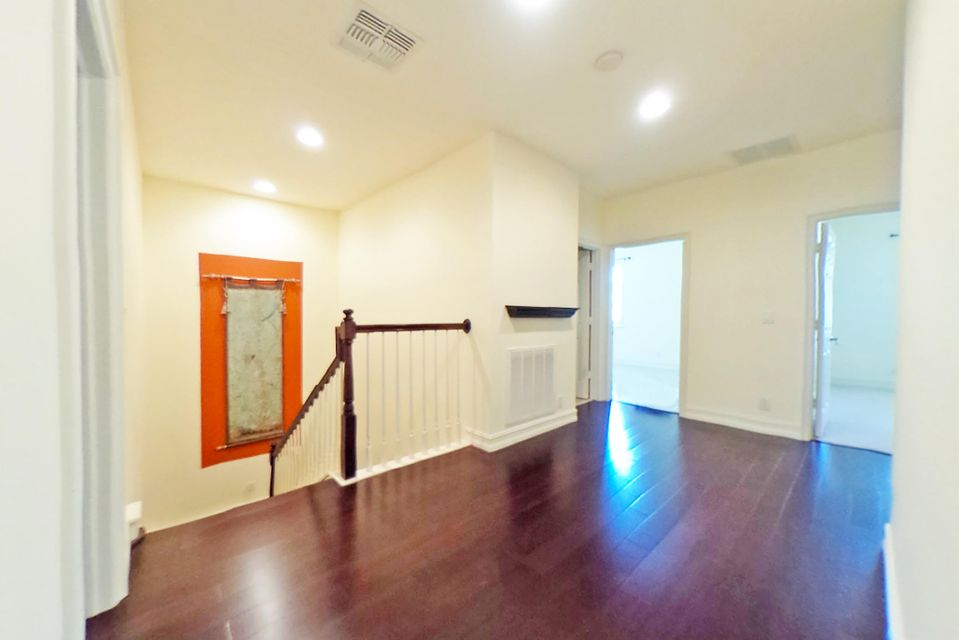 Additional photo for property listing at 820 Via Villagio 820 Via Villagio Hypoluxo, Florida 33462 United States