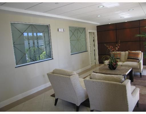 Additional photo for property listing at 4200 N Ocean Drive 4200 N Ocean Drive 辛格岛, 佛罗里达州 33404 美国