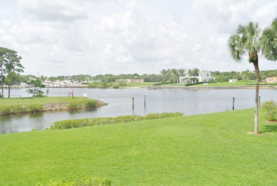 Konsum / Eigentumswohnung für Mieten beim 2201 Marina Isle Way 2201 Marina Isle Way Jupiter, Florida 33477 Vereinigte Staaten