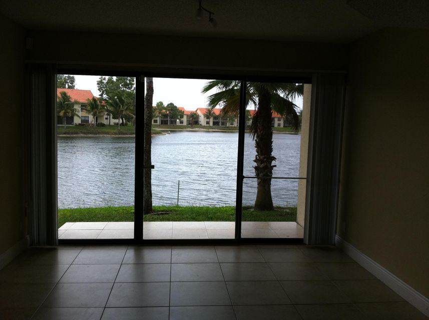 Co-op / Condo للـ Rent في 1520 Windorah Way 1520 Windorah Way West Palm Beach, Florida 33411 United States