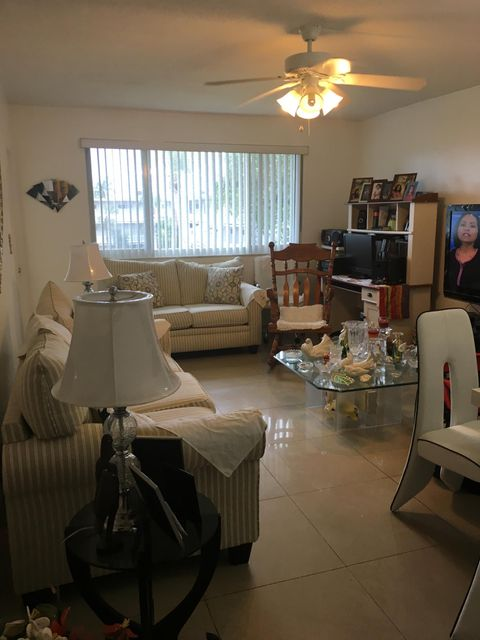 Additional photo for property listing at 2855 Garden Drive S 2855 Garden Drive S Lake Worth, Florida 33461 Vereinigte Staaten