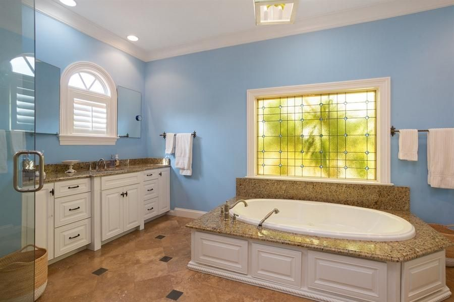 Additional photo for property listing at 129 Seville Road 129 Seville Road West Palm Beach, Florida 33405 Estados Unidos