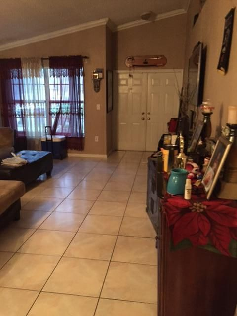Additional photo for property listing at 421 SW 203 Avenue 421 SW 203 Avenue Pembroke Pines, Florida 33029 Estados Unidos