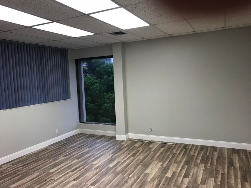 办公室 为 出租 在 639 E Ocean Avenue 639 E Ocean Avenue 博因顿海滩, 佛罗里达州 33435 美国