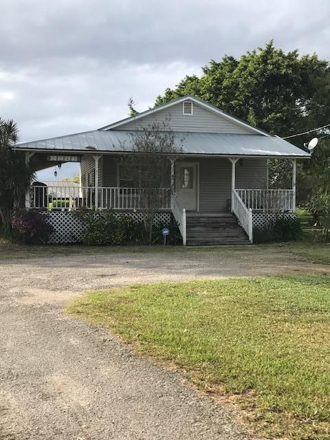 Single Family Home for Sale at 2243 Bacom Point Road 2243 Bacom Point Road Pahokee, Florida 33476 United States