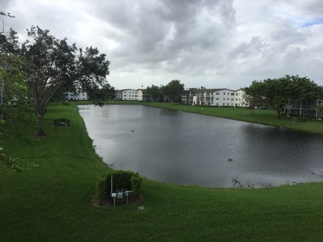 Co-op / Condominio por un Alquiler en 584 Fanshaw N 584 Fanshaw N Boca Raton, Florida 33434 Estados Unidos