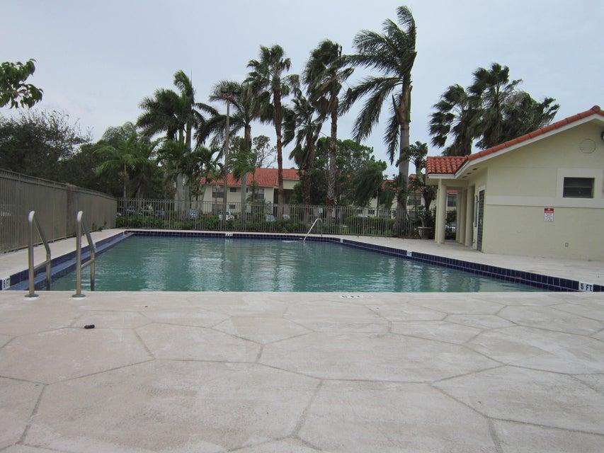 Cooperativa / condomínio para Locação às 1461 Windorah Way 1461 Windorah Way West Palm Beach, Florida 33411 Estados Unidos