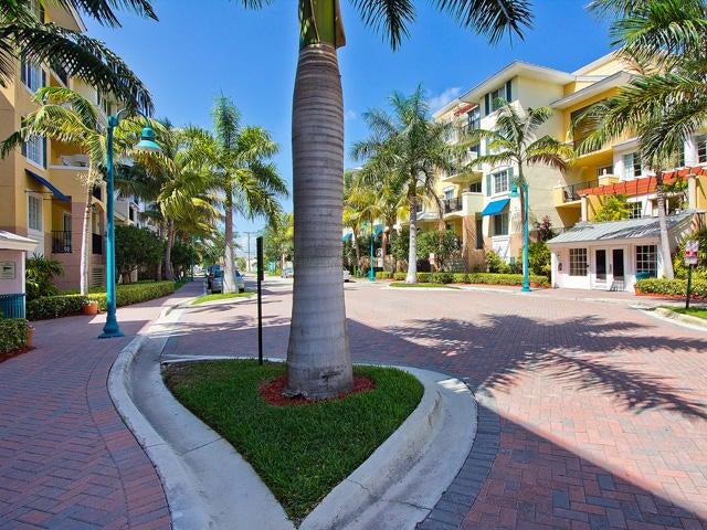 Cooperativa / condomínio para Locação às 250 NE 3rd Avenue 250 NE 3rd Avenue Delray Beach, Florida 33444 Estados Unidos