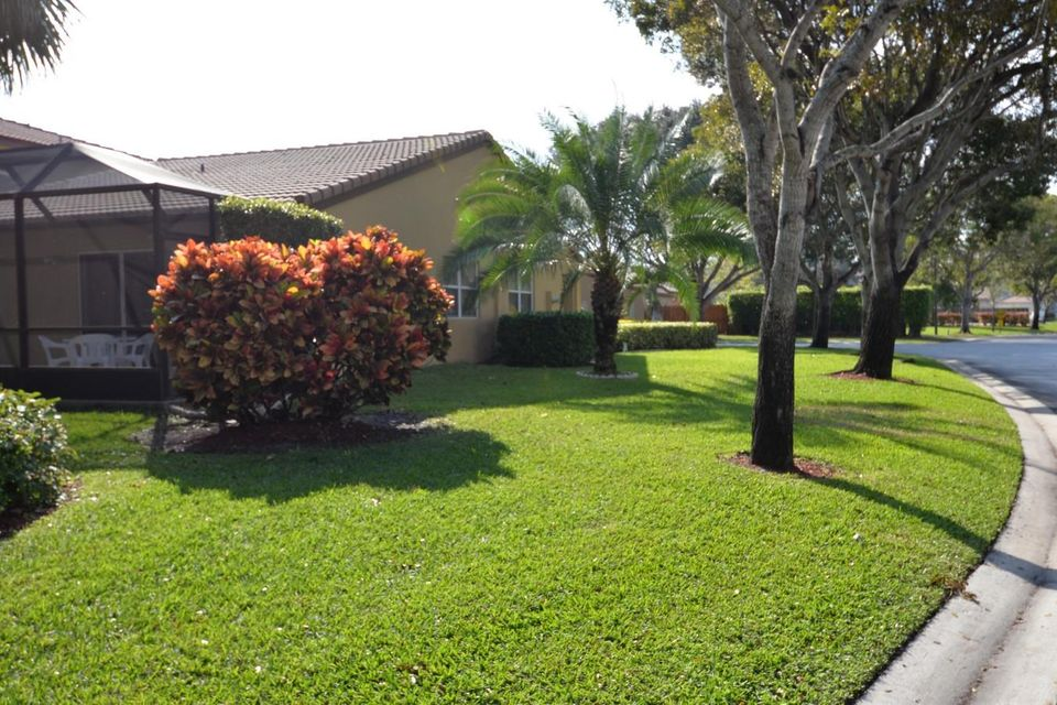 58 NW 43rd Way Deerfield Beach, FL 33442 - photo 3