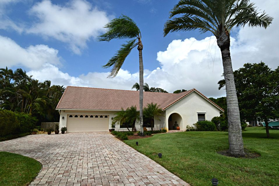 Single Family Home for Sale at 1689 NW River Trail 1689 NW River Trail Stuart, Florida 34994 United States