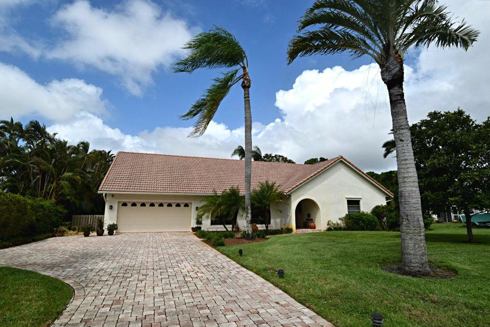 Частный односемейный дом для того Продажа на 1689 NW River Trail 1689 NW River Trail Stuart, Флорида 34994 Соединенные Штаты