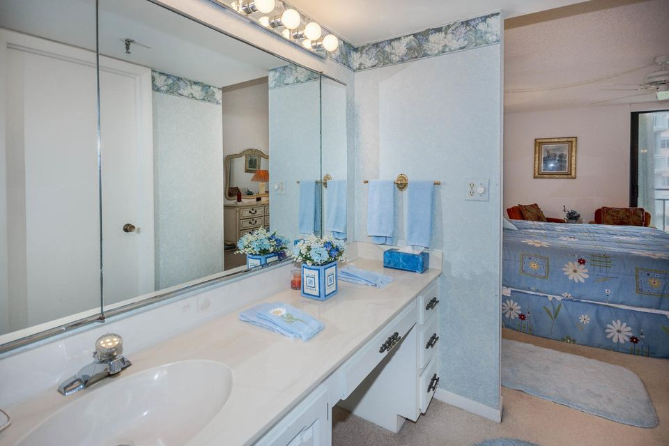 Additional photo for property listing at 3009 S Ocean Boulevard 3009 S Ocean Boulevard Highland Beach, Florida 33487 Vereinigte Staaten