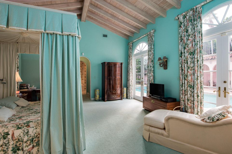 242  Dunbar Road , Palm Beach FL 33480 is listed for sale as MLS Listing RX-10370698 photo #10