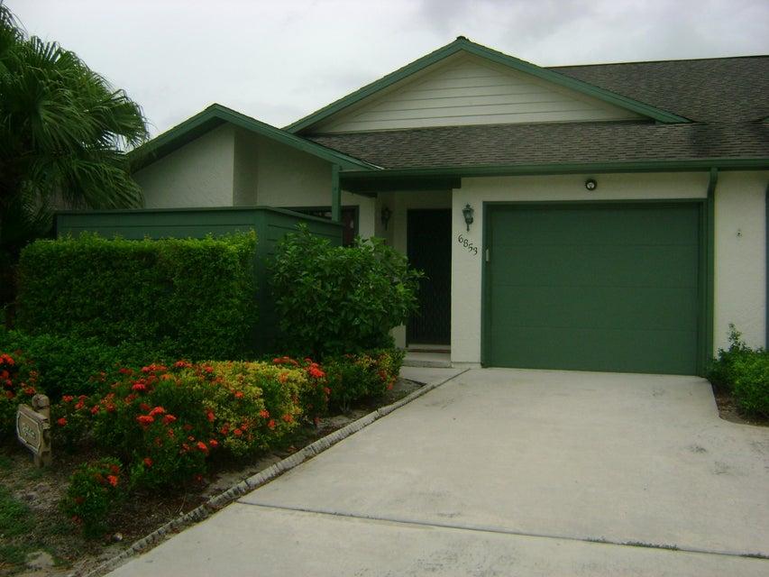 Villa for Sale at 6853 SE Bunker Hill Drive 6853 SE Bunker Hill Drive Hobe Sound, Florida 33455 United States