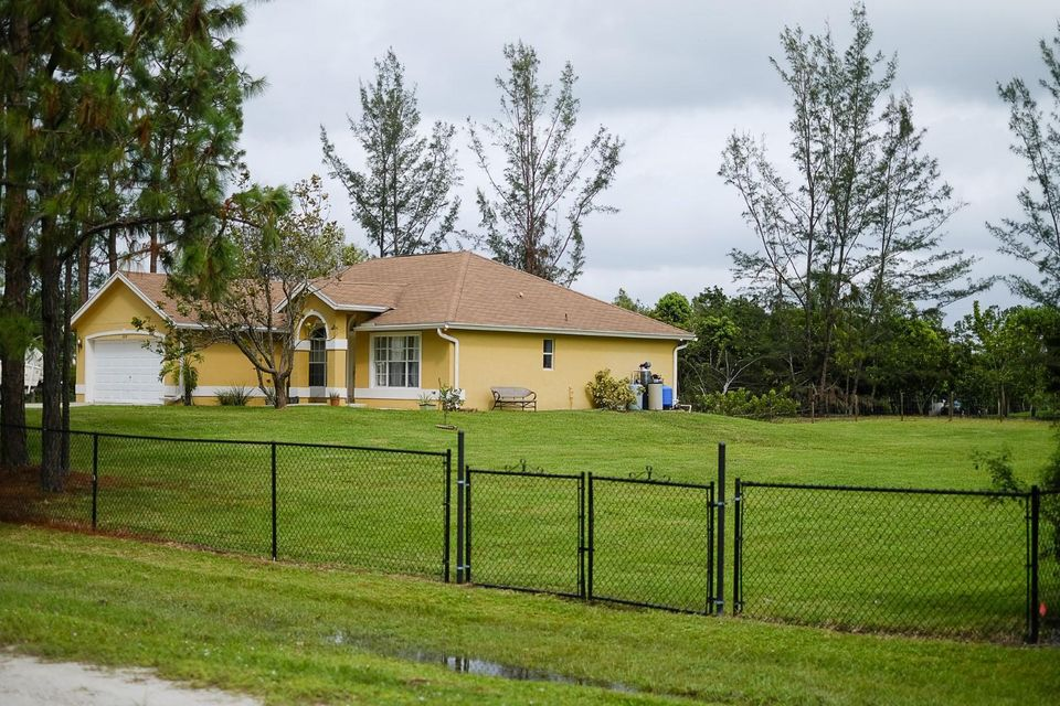Additional photo for property listing at 14197 77th Place N 14197 77th Place N Loxahatchee, Florida 33470 United States