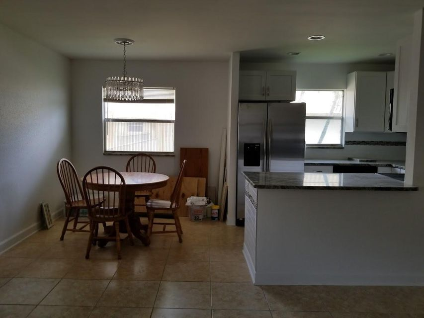 Additional photo for property listing at 237 Brittany E 237 Brittany E Delray Beach, Florida 33446 Estados Unidos