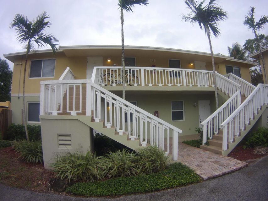 Flat for Rent at 242 NE 12th Street 242 NE 12th Street Delray Beach, Florida 33444 United States
