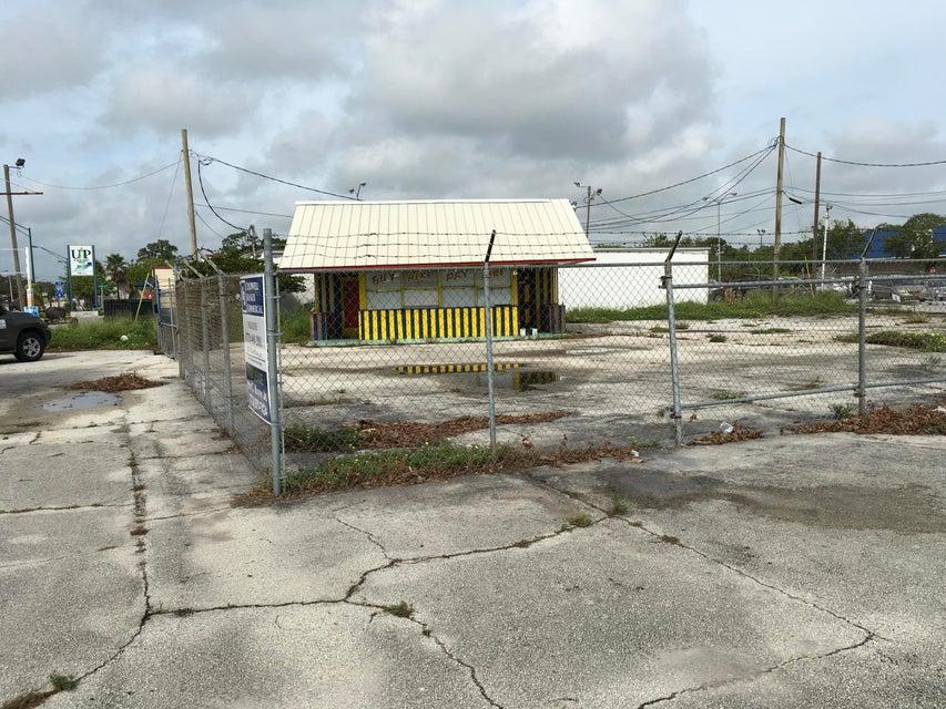 Comercial / Industrial por un Alquiler en 2504 Orange Avenue 2504 Orange Avenue Fort Pierce, Florida 34950 Estados Unidos