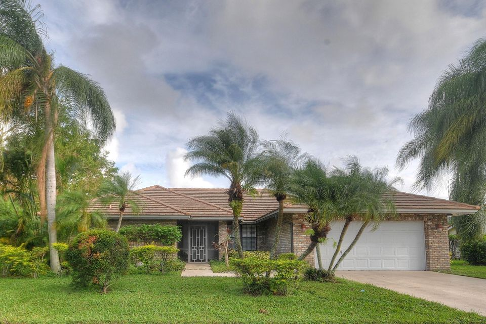 Single Family Home for Sale at 10374 Canoe Brook Circle 10374 Canoe Brook Circle Boca Raton, Florida 33498 United States