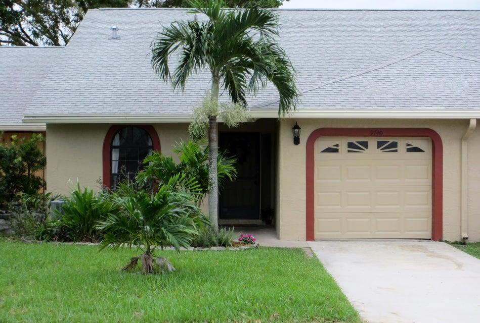 Vila para Venda às 9740 NW 76th Court 9740 NW 76th Court Tamarac, Florida 33321 Estados Unidos