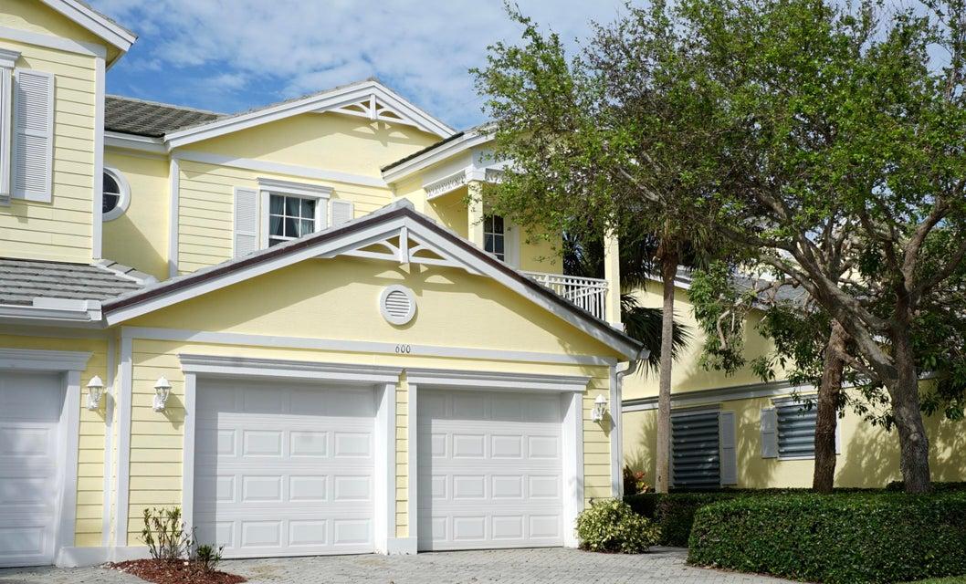 Maison accolée pour l Vente à 600 Mariner Bay Boulevard 600 Mariner Bay Boulevard Fort Pierce, Florida 34949 États-Unis