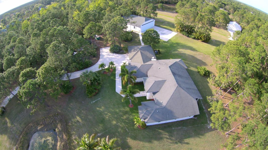 Additional photo for property listing at 2731 SE Tailwinds Road 2731 SE Tailwinds Road Jupiter, Florida 33478 United States