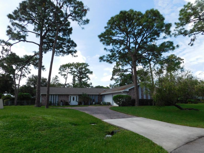 4334 Magnolia Street , Palm Beach Gardens FL 33418 is listed for sale as MLS Listing RX-10371183 21 photos